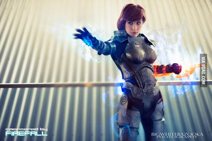 Commander Shepard IV - Biotic God