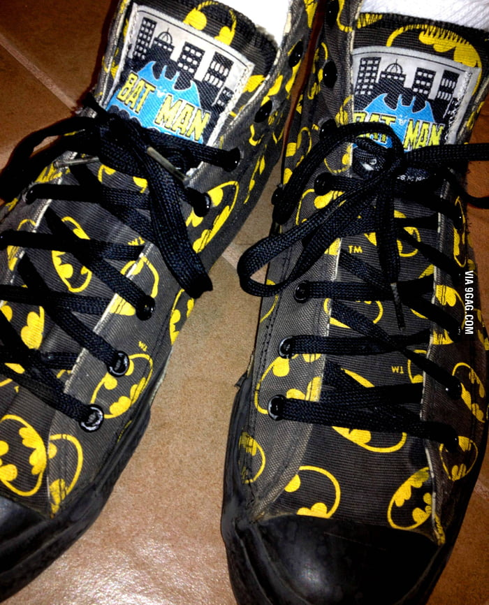 I wanted this badly as a kid: 1992 Batman Returns Converse