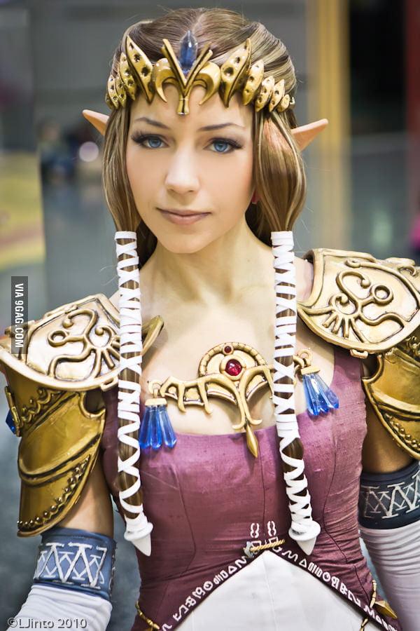 Probably the best Zelda cosplay I've seen.