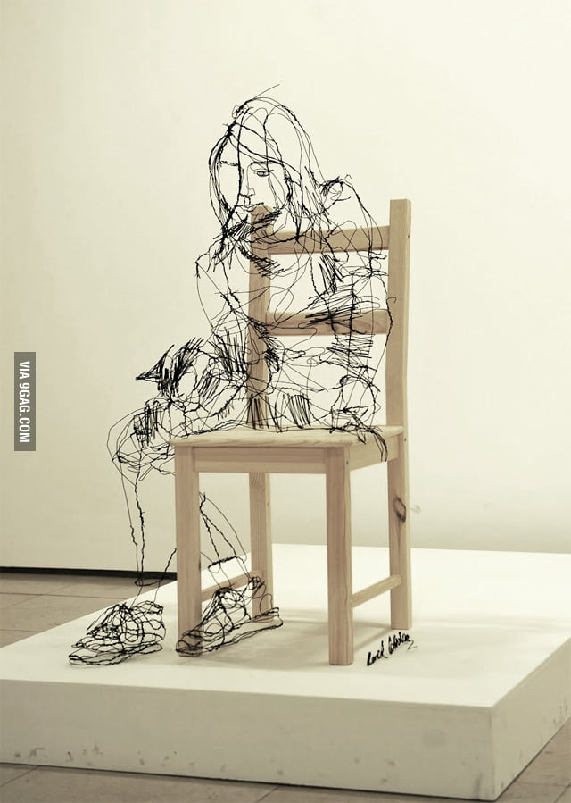 Awesome sculpture made with wire