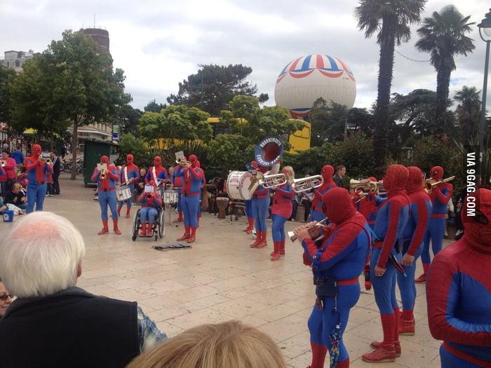 Spider-Band!?
