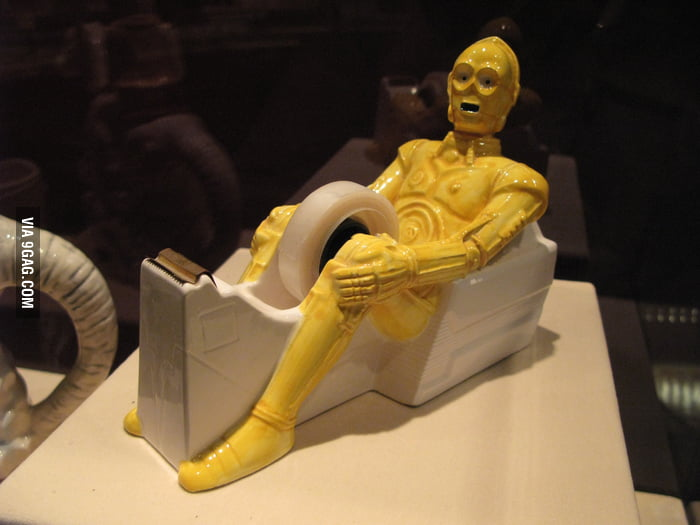 This C3P0 tape dispenser seems a bit odd...