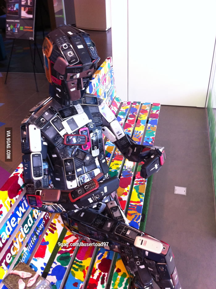 Nokia armor. Iron Man is a pussy.