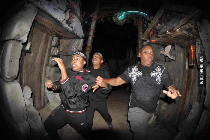 I love haunted house action shots
