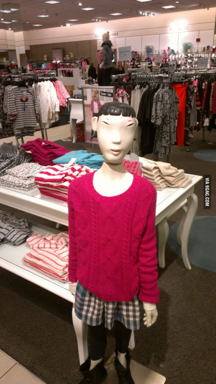 This mannequin is scary
