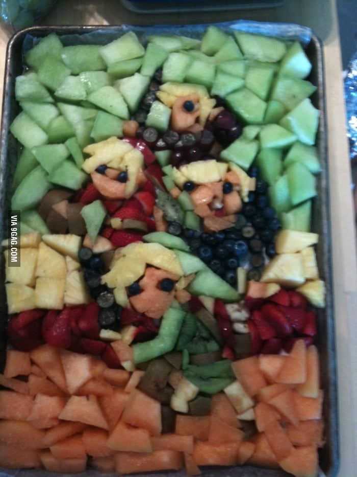 Gamers can see what's in this pan of fruit.