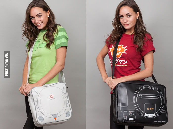 Carry your console: SEGA Dreamcast and Mega Drive Bag