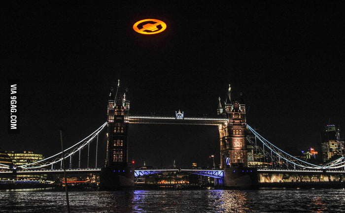 Saw the Halo 4 symbol over the London Bridge!