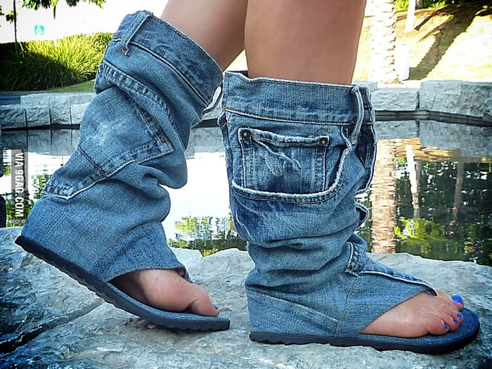 Jeans sandal boots? My brain is confused.
