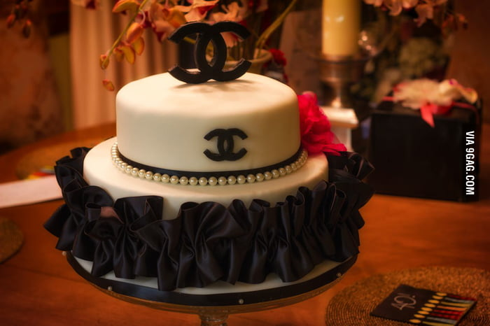 My friend made this Chanel cake for her sister's birthday.