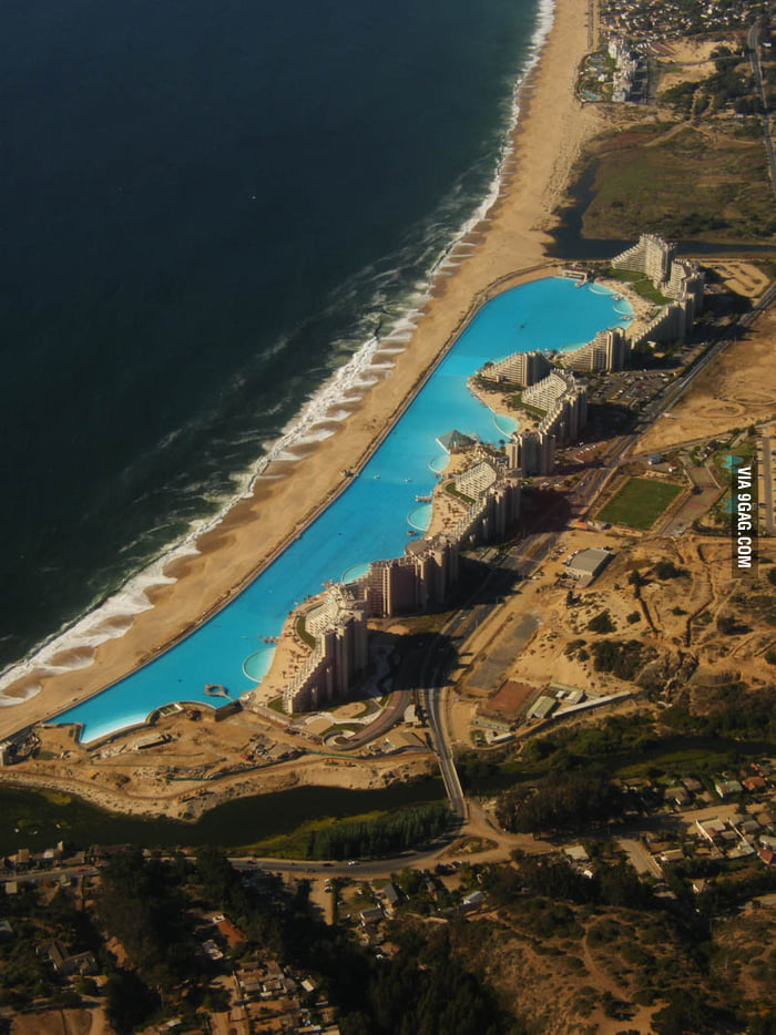 San Alfonso del Mar, the largest swimming pool in the world.