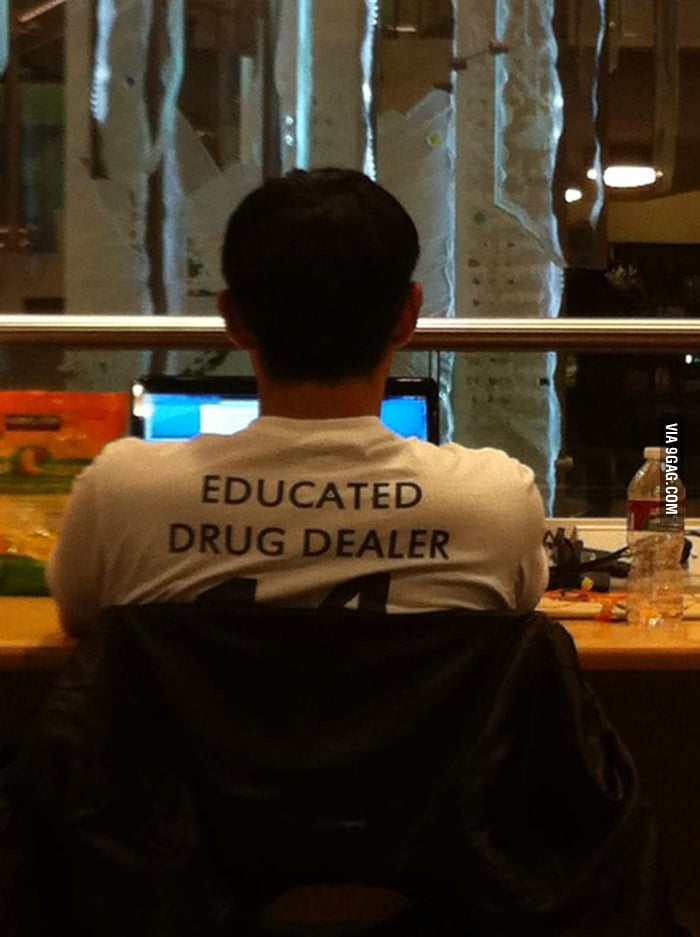 How to spot a pharmacy student.