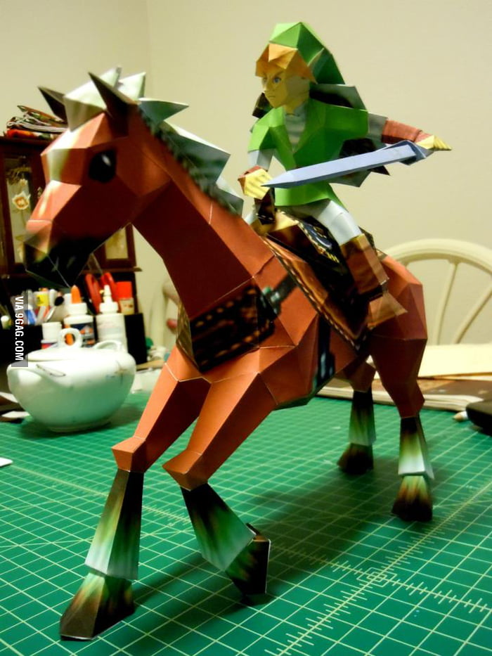Awesome Link and Epona papercraft.