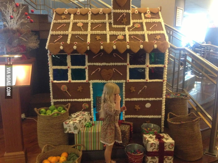 An awesome gingerbread house!