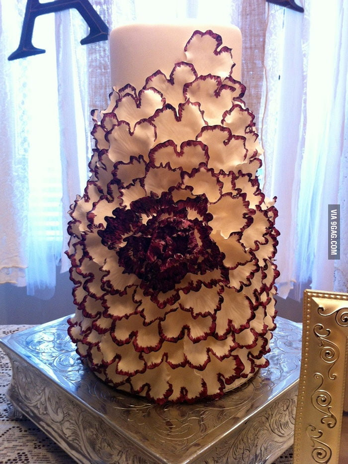 This is a very pretty wedding cake.