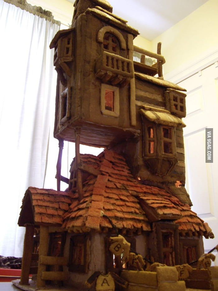 The Weasley's Burrow House in gingerbread!