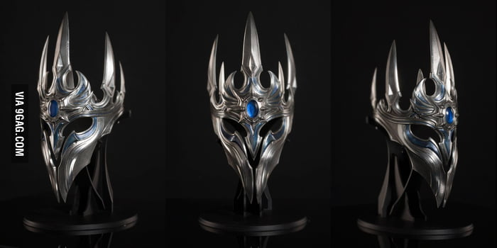 Work at Blizzard for 20 years and recieve this crown!