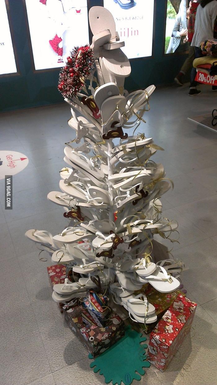 Flip-flops Christmas Tree!