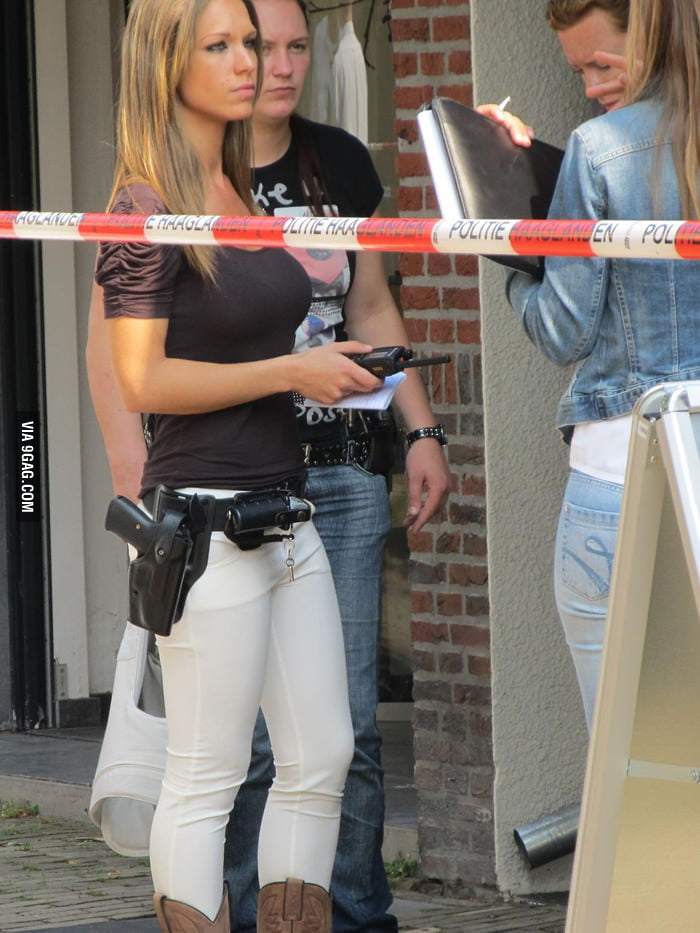 Even cops are beauitful in the Netherlands!