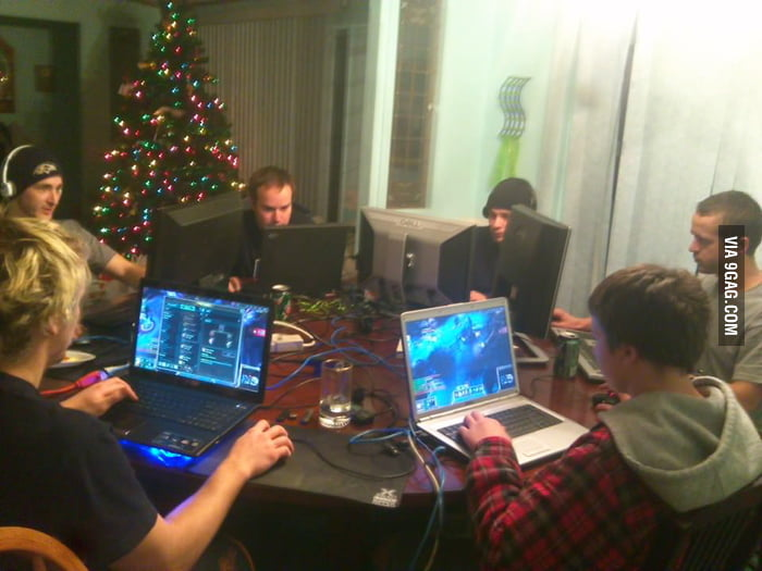 When you have 6 siblings, this is how you game.