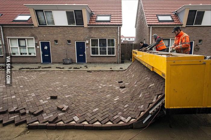 Dutch brick-laying 'printer'