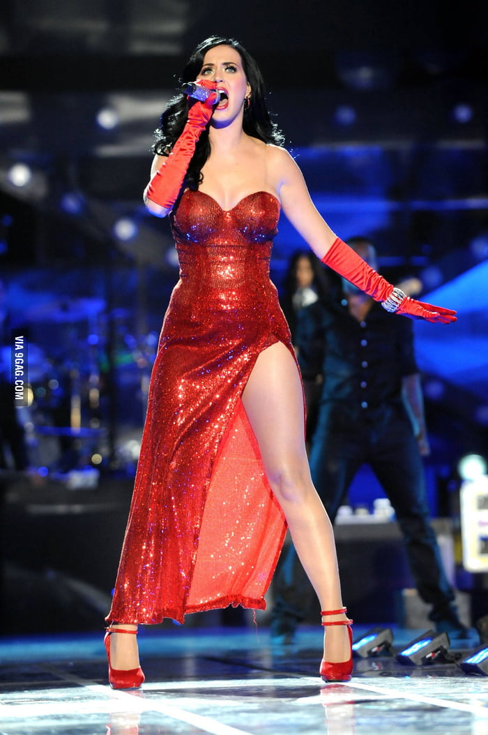 Katy Perry in Jessica Rabbit dress