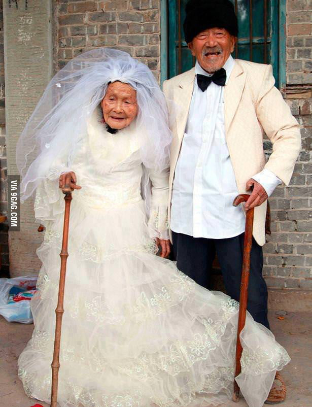 He is 101 and she 103 they´re married for 88 years!