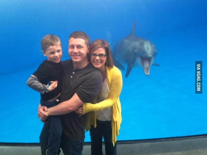 Photo-bombed at the National Aquarium