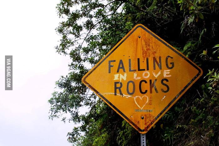 FALLING (in love) ROCKS