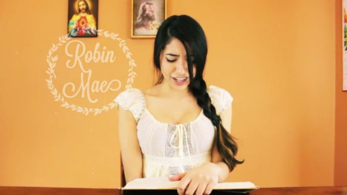 Robin Mae Story