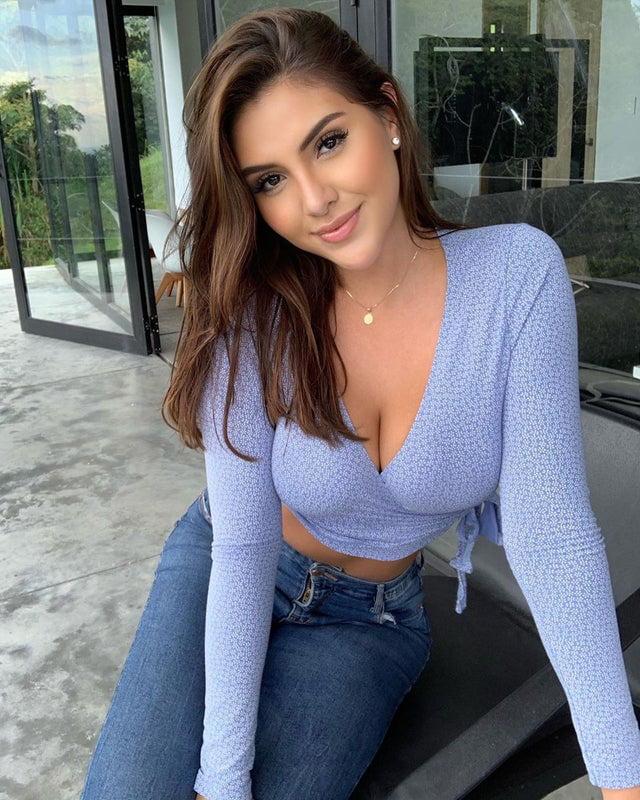 Nicole Ramirez - 9GAG
