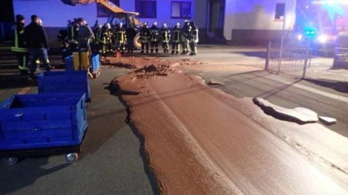 Chocolate silo disaster at Dreimaster. - 9GAG