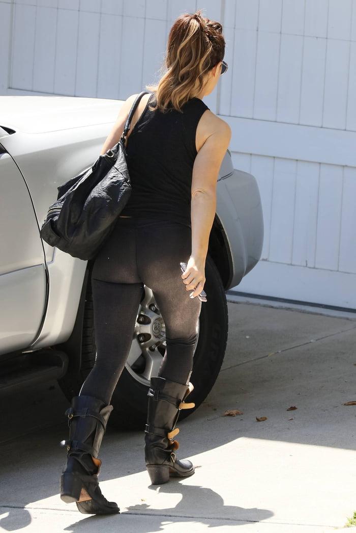 Kate Beckinsale's butt - 9GAG