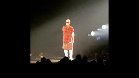 Just Justin Weiner falling Off the Stage.. Can laugh at it all my life..