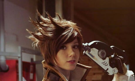I rate this Tracer cosplay 5/7