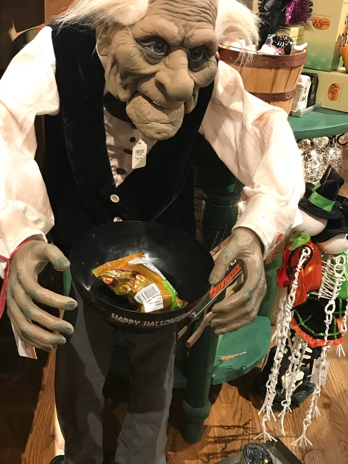 this children halloween decoration at cracker barrel wonder whats holding the bowl up