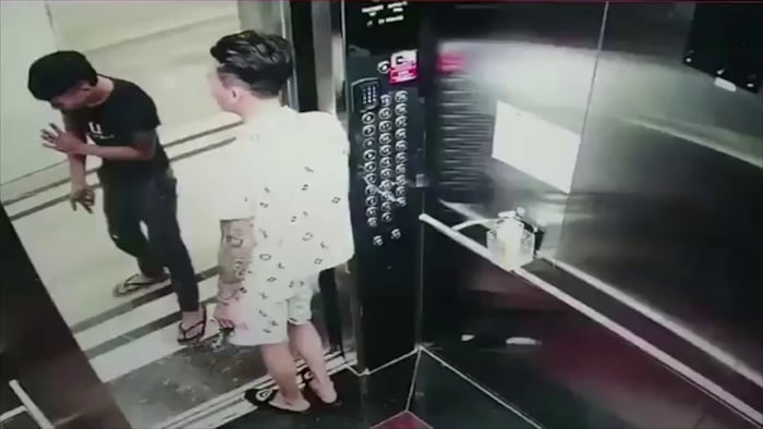 What could go wrong transporting a glass panel with elevator