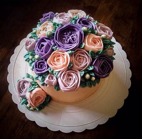 I am a cake decorator. What do you think of this cake?