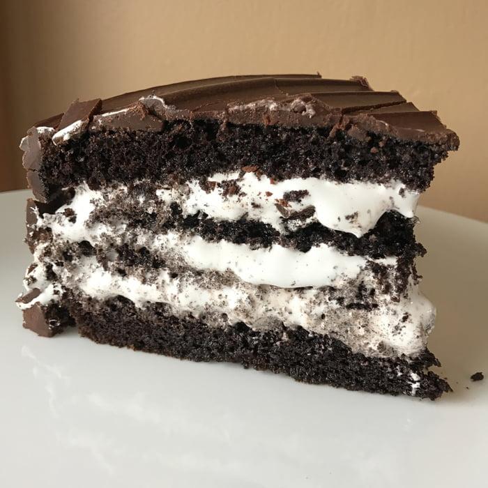 Chocolate marshmallow cookies and cream cake - 9GAG