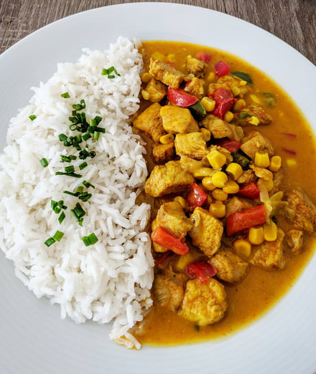 Today S Dinner Curry Chicken On Coconut Milk 9gag