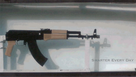 [GIF] Slow motion of an AK-47 Underwater