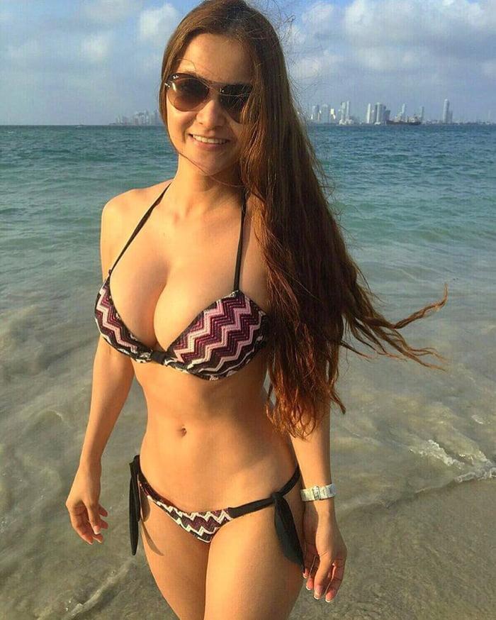 Kattia Vides Hot