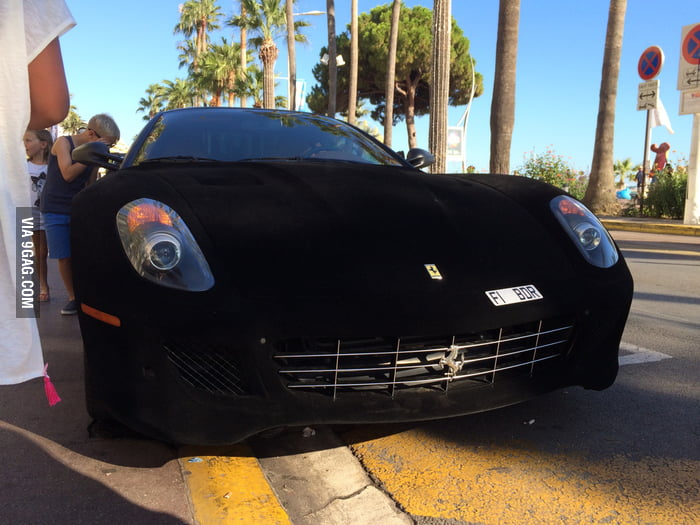 separation shoes 2b680 44ee7 Suede Ferrari 599 GTB Fiorano in Cannes - 9GAG