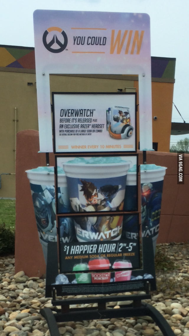 taco bell is letting people win free copies of overwatch 9gag