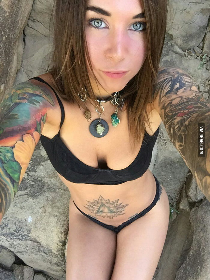 Felicity Feline Nude Photos 34