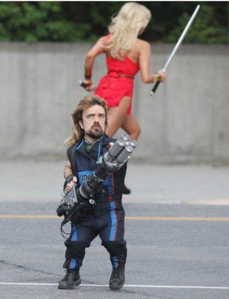 Leaked Image of Tyrion and Daenerys fighting White Walkers in Game of Thrones Season 8