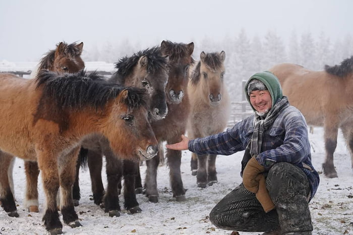Even When Temperatures Drop Below 60 Degrees Celsius 76 Fahrenheit Life In Yakutia Doesnt Stop Check Out These Hacks That Help Local