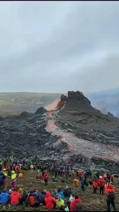 Volcano erupting in Iceland this week