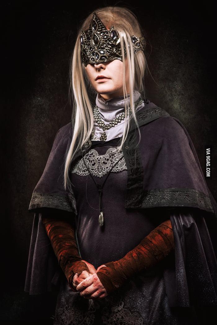 cosplay 3 Dark souls fire keeper