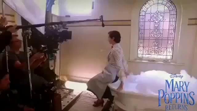 How the bathtub scene in Mary Poppins Returns was filmed